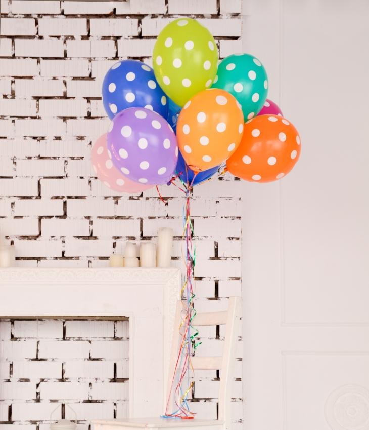 Twopresents balloons